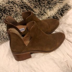 Steve Madden tan suede boots